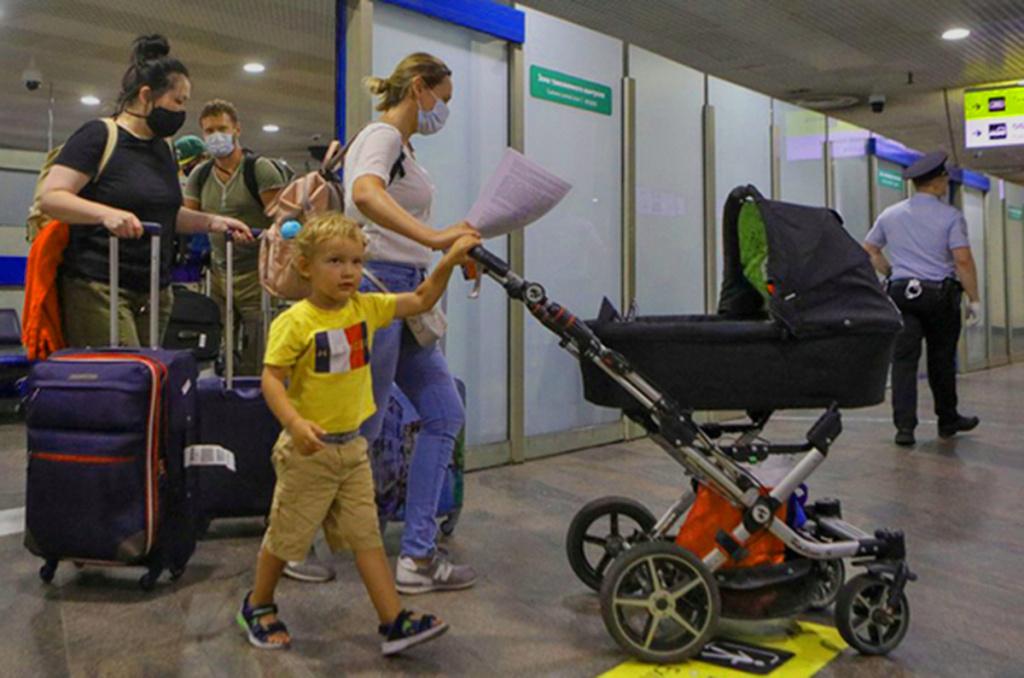Правила выезда детей за границу изменили
